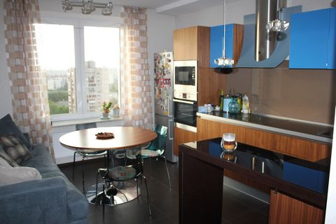 This property is 14 minutes walk from Primorskaya Metro Station, 220 meters from Malyye Gavantcy square. Various restaurants and cafes can be found within a 5-minute walk. LenExpo is 1.4 km away. Saint Petersburg Stadium, which will host FIFA WORLD C...