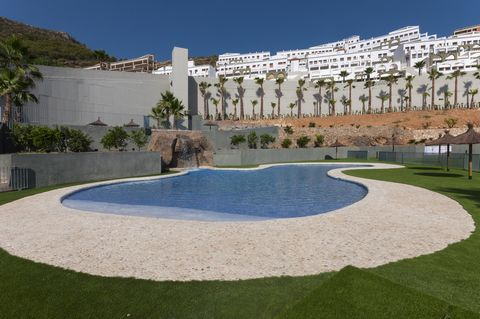 In a beautiful mountain urbanisation in Xeresa, this great apartment with a shared pool welcomes 4 guests. The beautiful exterior area of this apartment is perfect to enjoy a relaxing vacation. A large artificial lawn, together with a beautiful lands...