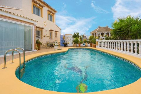 Impeccable and stunning family villa for sale in popular and tranquil urbanization in Pedreguer, with the most amazing views of the coastal towns of Denia, Javea and Cumbres del Sol, inland to Lliber and even out to Ibiza on a clear day! Maintained t...