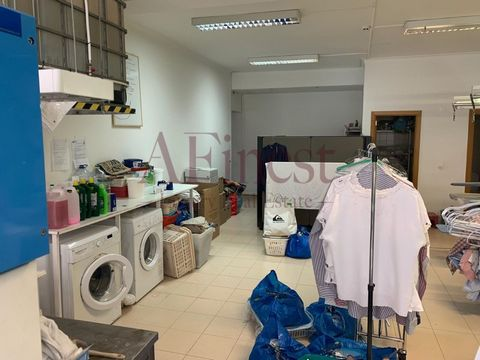 Store in new Carnaxide for sale with lease in progress until mid-2020. Large commercial and residential area as well. Excellent state of preservation. Near the access to the A5 and the center of Carnaxide. Your dream store lives here! Come and visit!...