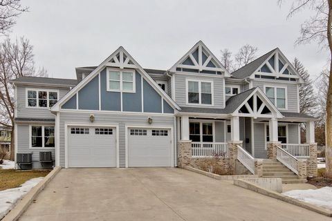 Stunning and one-of-a-kind 5 bedroom, 4.1 bath home built in 2016 with separate in-law arrangement or guest retreat. Gleaming hardwood flooring, high-end finishes and custom millwork are a few of the finest details throughout. Two story foyer welcom...