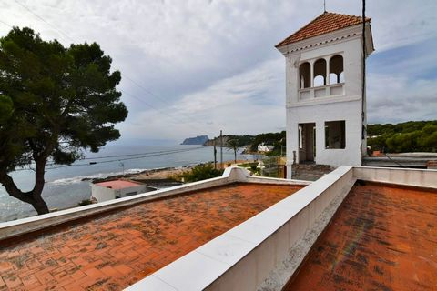 Detached 5 bedroom villa in first line in Moraira, with fantastic views to the sea, Ifach rock, and Cap d'or tower. This 350 sqm villa is facing south- east, built in a 500 sqm plot, only 10 meters walking to the beach, 800 meters to the town and fac...