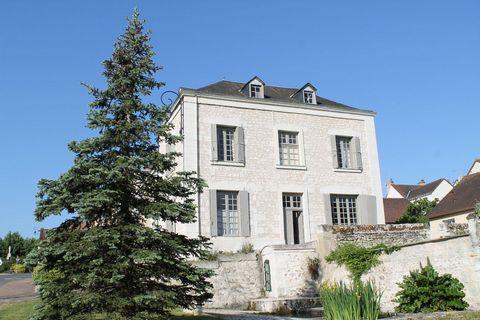 Maison d'habitation entièrement rénovée, comprenan