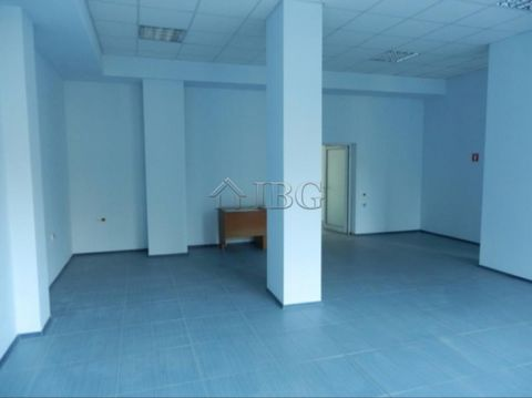 Ruse. Large premise for rent in on the ground floor in Ruse city IBG Real Estates offers for rent a shop in Midia Enos quarter of Ruse. The premise is on the ground floor, with an area of 125 sq.m. The shop is facing a key junction and at the same ti...