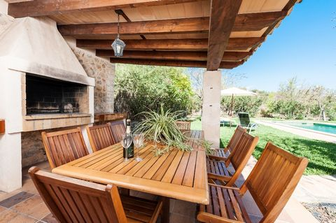 Welcome to Pou Vell! This cozy and rustic villa lies at a wonderful place in the north of the island and offers you the comfort of a home that will make your holidays an unforgettable experience. Welcome to Pou Vell! This cozy and rustic villa lies a...
