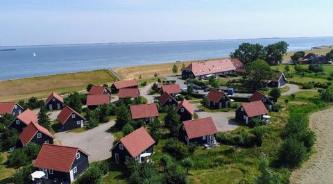 This holiday home at the Stelhoeve park is perfect for a stay of any length and in any season. The park is right on the shore of the Oosterschelde. It is an environment where you can find inspiration and unwind. For children there is much to discover...