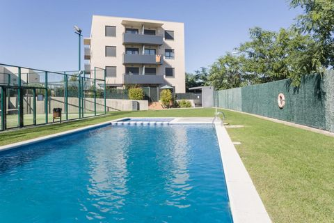 Your residence Pierre & Vacances Torredembarra Pierre & Vacances Residence Torredembarra located at 350 meters from the beach, is composed of 36 apartments with 3 and 4 rooms, terrace and a little garden for those located on the ground floor. The res...