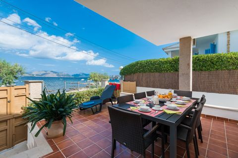 Welcome to this fantastic house, for 8 guests, in front of Es Barcarès, Alcúdia. This house is perfect if you love the sea and the tranquility, as it is one of the most peaceful coastal areas of the island. The porch invites you to have breakfast or ...