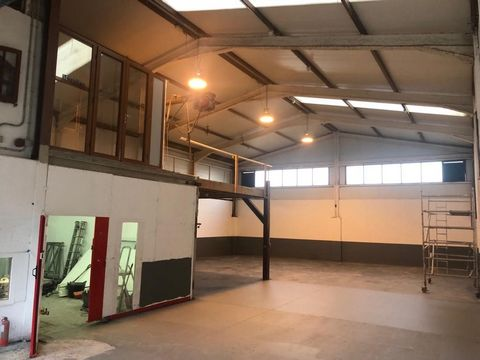 This is a commercial property for sale in Barranco Las Torres Adeje Spain. Adeje is a municipality in the southwest of Tenerife. The size of the property is 394 square metres and the current owner has owned the property for ten years. The property is...