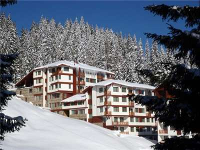 Forest Nook 3 is a lovely ski complex located in Pamporovo about 85 km from Plovdiv Airport. The complex is only 600 m from the ski runs and main lifts and has spectacular views of the mountains and valley. There are also fabulous facilities in the c...