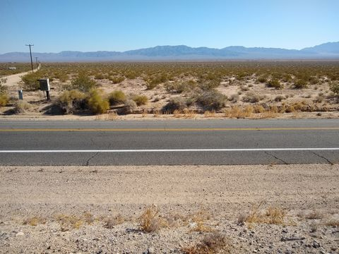 Located in Twentynine Palms. Your serene views and peaceful retreat in the desert await! 5 beautiful acres of desert wonder. Located very close to Hwy 62 and near Joshua Tree National Park. Cash sale at $9,997 for 5 Full Acres of California! Owner Fi...
