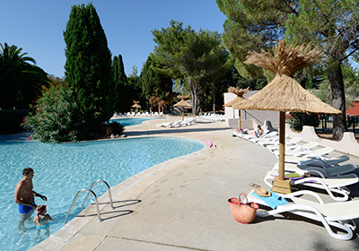Residence Le Camarguais Village is just 3 km from the famous historic center of Arles. It is situated on 35 hectares of lush, green grounds. The Odalys Residence Les Gardians complex, just 3km from the famous historical city centre of Arles, is set i...