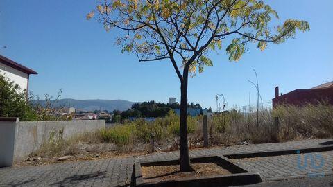 Vende se Lote de terreno destinado à construçao urbana.Excelente localização virado a sul, vista sobre Cadaval e serra do Montejunto em fundo, a 2mm da escola a pé e 40mn de Lisboa via A8 #ref: 9843