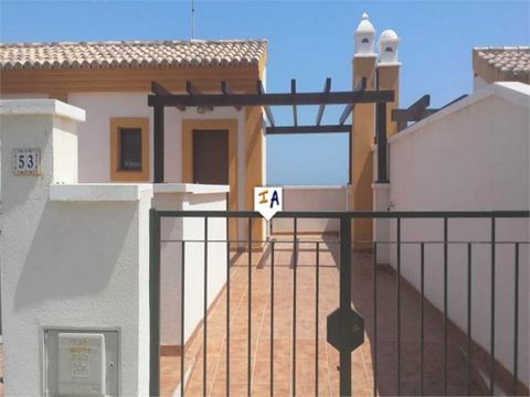 House with 3 bedrooms, 3 bathrooms, living room, kitchen, own parking, patio, laminated flooring, video intercom, wifi, 300 meters from the beach. Beautiful views of the sea. Located 1 hour from Malaga and the airport.