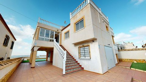 A fantastic South Facing large detached Villa with large pool. This South Facing, Four bedroomed, stylish Detached Villa in San Miguel de Salinas is located in the quiet residential area of Lake View Mansions, just a 5 minute drive from the centre of...