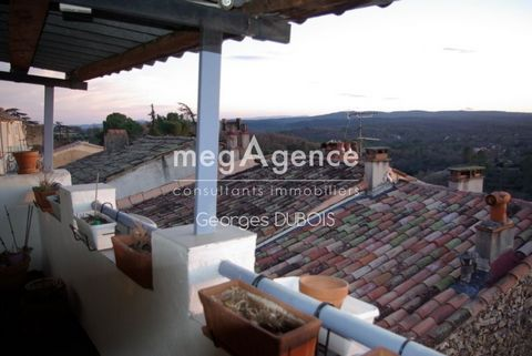 Village La Verdière, village house with terrace, breathtaking view and summer kitchen, favorite In a Provençal village in Haut Var, beautiful village house on 4 levels with terrace not overlooked with magnificent and breathtaking views, equipped with...