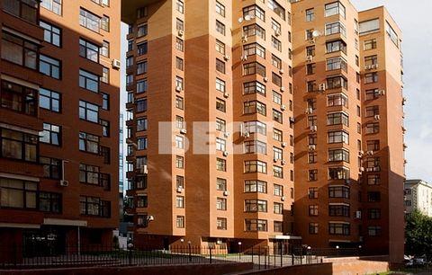 Продам трехкомнатную квартиру в ЖК «Климашкина, 19» с качественным дорогим ремонтом. Дом расположен в историческом центре Москвы. В доме круглосуточная охрана, огороженная территория, наземный и подземный паркинг, хорошая доступность. Для ценителе ро...