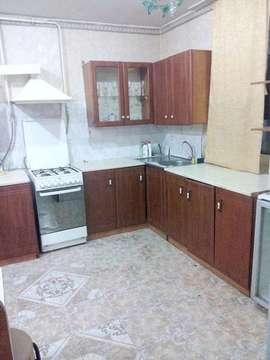 Лот №V3390286. Сдается 2-этажный дом на ул. Менделеева, 120кв. м. , 1-этаж кухня-гостинная, 2этаж- 2 комнаты, 2 сан. узла, окна пвх, есть необходимая мебель и техника.+ к.у.