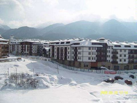 White Oaks Lodge I is a complex in Bansko that has not fully completed Act 16 but the owners already have their Title Deeds. Bansko is a popular ski resort and the complex is only 400 m from the gondola ski station as well as close to shops, supermar...