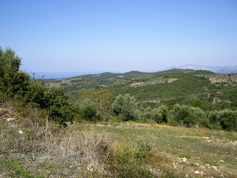 This lovely plot of land is for sale in the Peloponnese region of southern Greece. It is set in an astounding tranquil area surrounded by beautiful nature on the edge of the village of Agaliani. The beach is 10 mins away, the main town of Kyparissia ...