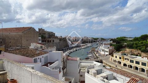 168 m² house with 60 m² sun terrace overlooking the port, located in the old town of Ciutadella de Menorca. A wide range of services such as restaurants, bars and shops are found nearby and the property is surrounded by small pedestrian streets, perf...