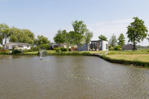 In a quiet area of North Holland lies the Westerkogge Park, in the village of Berkhout, just a stone's throw from Horn. It is surrounded by canals that connect to the open water where you can throw out your fishing rod or go boating or canoeing (up t...