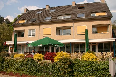 This holiday apartment complex near Doorn will pleasantly surprise you! It is an attractive family park with a special emphasis on families with small children, who by all means will feel comfortable and at ease here. An ideal operating base from whi...