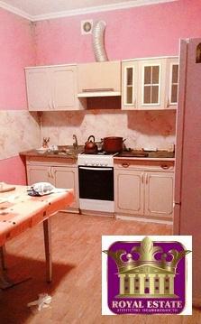 Лот №K8293970. Сдается дом в районе Свободы. Дом общей площадью 120 кв.м, 3 большие комнаты. Кухня 12 кв.м, ванна 9кв.м. Газовый котёл, стиральная машинка, вся необходимая техника есть.С хозяйкой в общем дворе