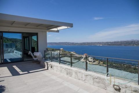 This beautiful modern house for sale in La Canaée is located in the village of Megala Chorafia, overlooking the entire bay. It has 3 bedrooms and 2 bathrooms and covers an area of 156 square metres. The interior is simple and minimal. On the ground f...