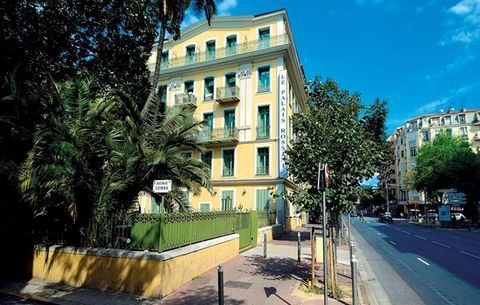 This holiday residence in Nice is located at the end of the artistic district, 700 meters from the Promenade des Anglais. The hotel is 30 years old and built in the style of the Riviera. The accommodations are air-conditioned and offer studios for tw...