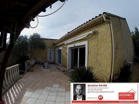 Ardèche, à St Lager Bressac, je vous propose notre charmante villa de 140m² habitables sur ses 1589m² de terrain avec piscine. Elle dispose d'un très grand espace de vie avec cuisine ouverte de plus de 60m² donnant sur la terrasse, 3 grandes chambres...