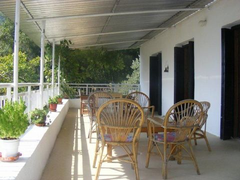 The property is set in 1.5 acres of its own land, secluded, tranquil and overlooking Golden Beach Bay with a panoramic view of the surrounding mountains and the picturesque local town of Panagia. The house has room for at least 6 people, accommodated...