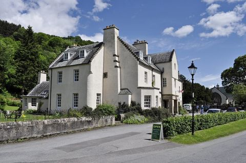 A rare opportunity has arisen to acquire the unique spectacular and tastefully refurbished Fortingall Hotel. Located in the heart of rural Perthshire, on the increasingly popular Heart 200 tourist route, this Grade B listed building has 10 luxurious ...
