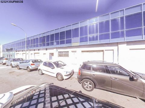 Industrial Warehouse for sale in Málaga, with 7 and312 m2.